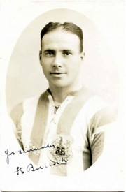 FRED BULLOCK (HUDDERSFIELD TOWN) SIGNED FOOTBALL POSTCARD
