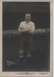 BERT BLISS (TOTTENHAM HOTSPUR & ENGLAND) SIGNED FOOTBALL POSTCARD