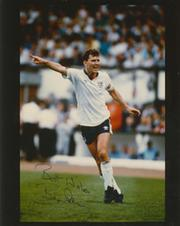 BRYAN ROBSON (ENGLAND) SIGNED PHOTOGRAPH