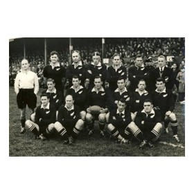 NEW ZEALAND (V LLANELLI) 1953-54 RUGBY PHOTOGRAPH