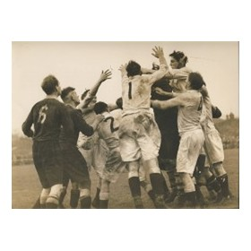 ENGLAND V POSSIBLES 1938 (FIRST TRIAL MATCH)