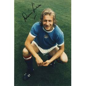 DENIS LAW SIGNED PHOTOGRAPH