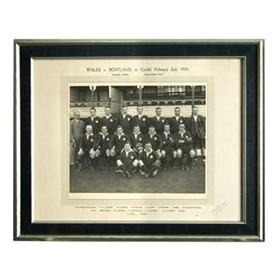 WALES 1935 RUGBY PHOTOGRAPH (TEAM THAT DEFEATED SCOTLAND)