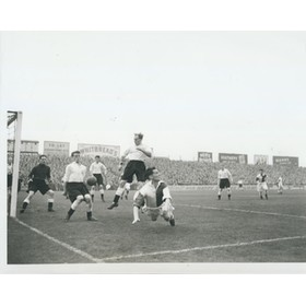 FULHAM V BLACKBURN ROVERS 1952 FOOTBALL PRESS PHOTOGRAPH