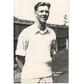 ALAN DIXON (KENT) CRICKET POSTCARD