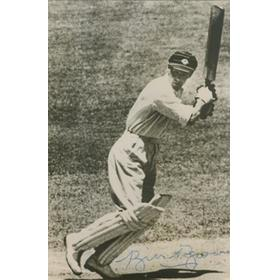 BILL BROWN (AUSTRALIA) SIGNED CRICKET PHOTOGRAPH