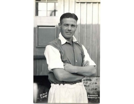 ERNIE MARRIOTT (BRIGHTON & TONBRIDGE) FOOTBALL POSTCARD