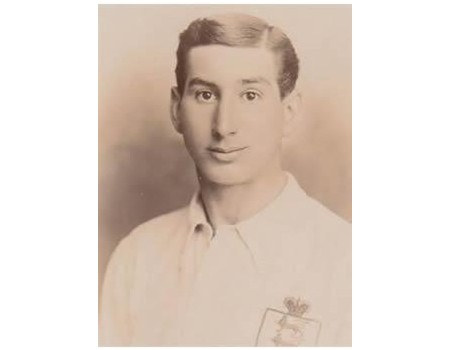 FRANK BRADSHAW (SHEFFIELD WEDNESDAY & ENGLAND) 1908 FOOTBALL POSTCARD