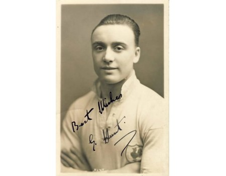 GEORGE HUNT (TOTTENHAM HOTSPUR & ENGLAND) SIGNED FOOTBALL POSTCARD