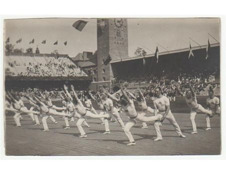 STOCKHOLM OLYMPICS 1912 (SWEDISH GYMNASTICS TEAM) postcard