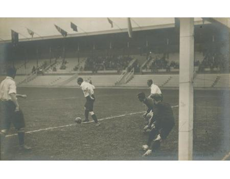 GREAT BRITAIN V FINLAND 1912 OLYMPICS (FOOTBALL SEMI-FINAL) POSTCARD