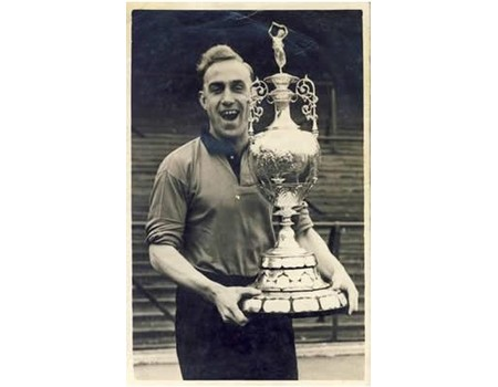 BILLY WRIGHT (WOLVERHAMPTON WANDERERS) 1954