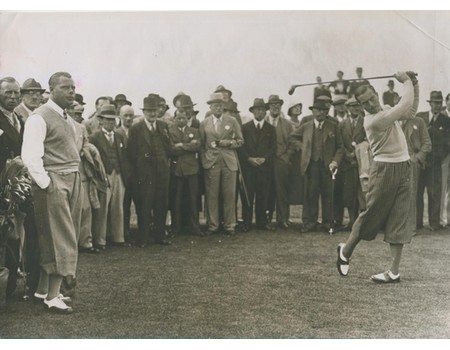 HENRY COTTON AT THE MID-SURREY GOLF COURSE 1935 PRESS PHOTOGRAPH