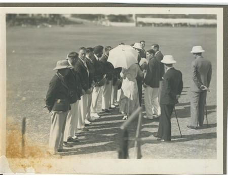 ENGLAND TOUR TO INDIA 1933-34 CRICKET PHOTOGRAPH - TEAM PRESENTED TO THE VICEROY