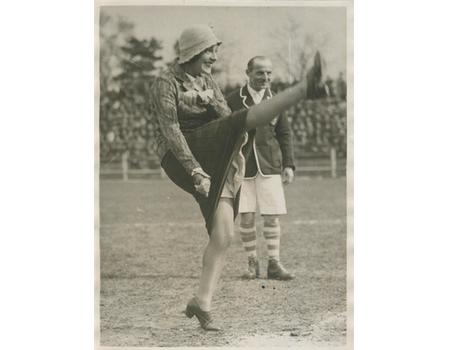 GABY MORLAY (FRENCH ACTRESS) TAKES A KICK OFF  - FOOTBALL PHOTOGRAPH 1920S