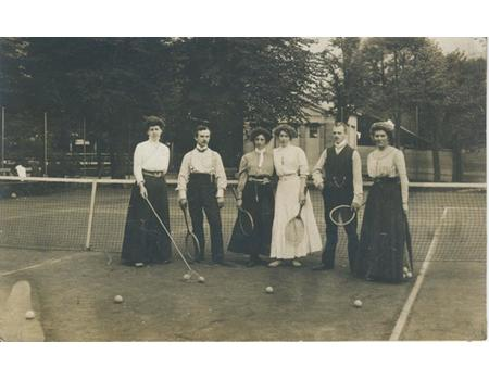 TENNIS GROUP IN GELSENKIRCHEN, GERMANY (C.1909) POSTCARD