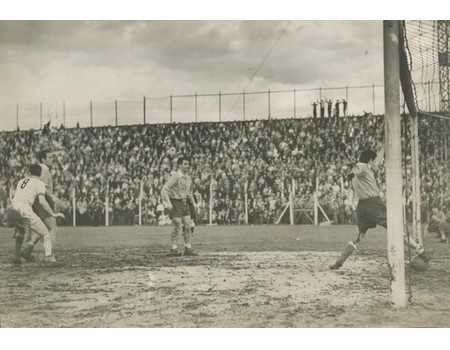 1950S FOOTBALL PHOTOGRAPH - GOAL-LINE TECHNOLOGY REQUIRED